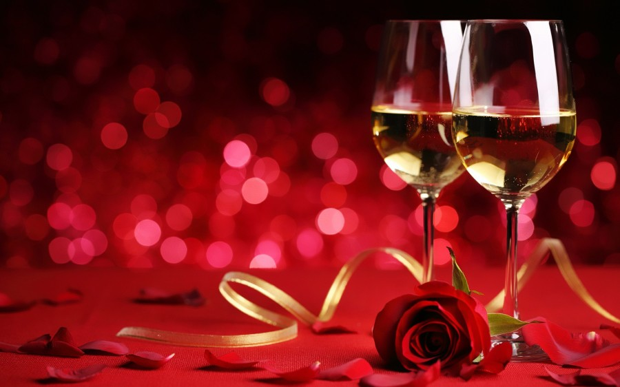 Roses-And-Champagne-Glass-New-Year-2016-Celebration-03225.jpg