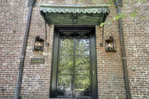 fake-gas-lanterns-flank-the-entrance